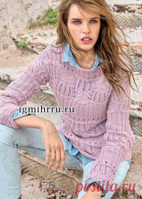 Женственный светло-сиреневый пуловер с кружевным ажурным узором и полосами резинки. Вязание спицами