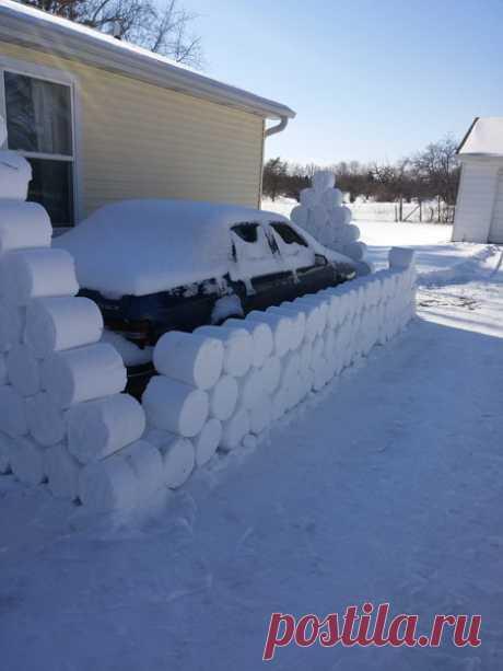 Пошутили над соседом после обильного снегопада