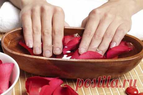 Ванночка для ногтей: средства для укрепления, роста и красоты пластин