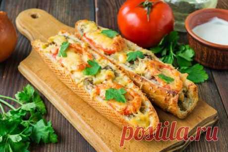 ПИЦЦА В БАГЕТЕ   Для приготовления этой необычной пиццы не нужно замешивать тесто или покупать уже готовые полуфабрикаты. Это пиццу будем готовить из багета и запекать в духовке. Результат — сытное и ароматное блюдо…
