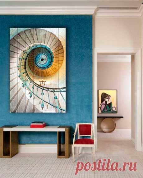 "Картина ""Винтовая лестница"" по цене от 5900 руб. Размеры: 60x90 см, 80x120 см, 100x150 см, 120x180 см. Срок изготовления: 2-3 дня."
