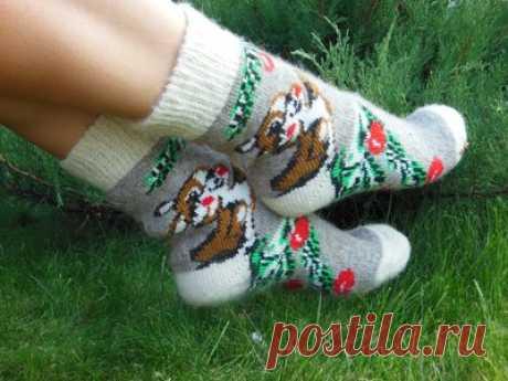 Вязаные мужские носки с монограммой | DAMские PALьчики. ru