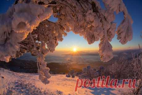 Закат в окрестностях Новороссийска. Автор фото: Егор Никифоров. Добрых снов!
