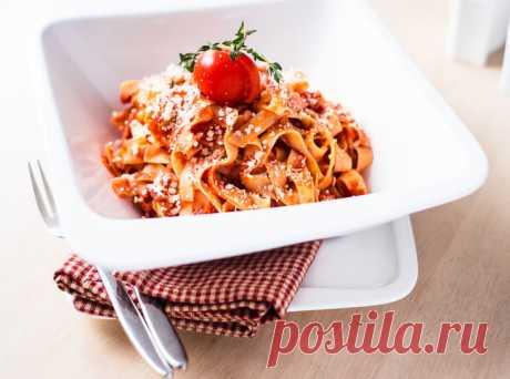 Рецепт недели: итальянская паста с помидорами | Marie Claire