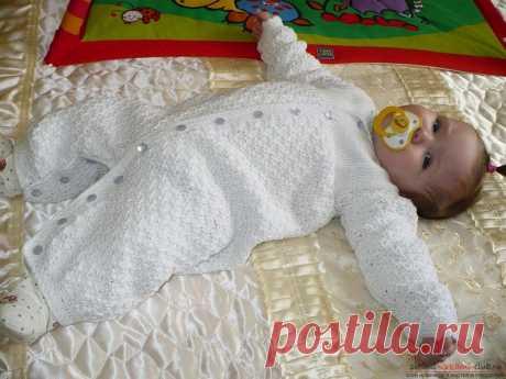 Комбез для новорожденного крючком или спицами по схемам