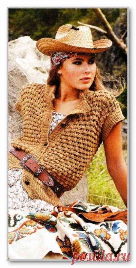 Вязание спицами. Описание женской модели со схемой и выкройкой. Прямой короткий жилет на пуговицах, с ажурным узором. Размер: 36-38 (40-42; 44-46)