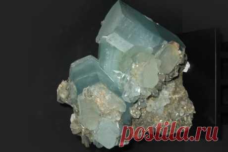 Камень берилл: свойства, кому подходит по знаку зодиака и имени, украшения с минералом, как выглядит (фото), разновидности (голубой, зеленый, красный, розовый, желтый), цена