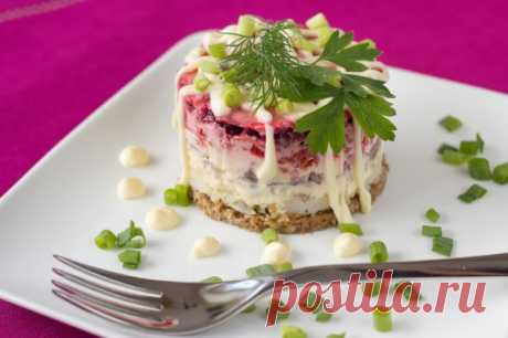 Салаты на 8 Марта: ТОП-10 рецептов - Кулинарные советы для любителей готовить вкусно - Хозяйке на заметку - Кулинария - IVONA - bigmir)net - IVONA bigmir)net