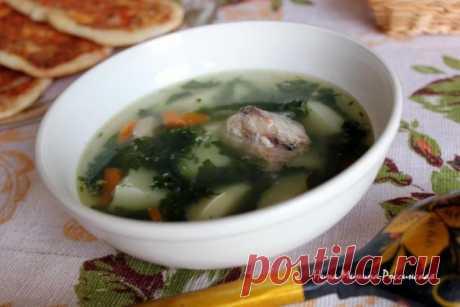 Суп с рыбными консервами и шпинатом | Русская кухня