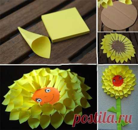 Цветочек из клейких листиков — Поделки с детьми
