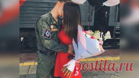 Обещала, что дождется из армии, а ее парень отправил мне доказательство обратного | Дашины Сплетни | Яндекс Дзен