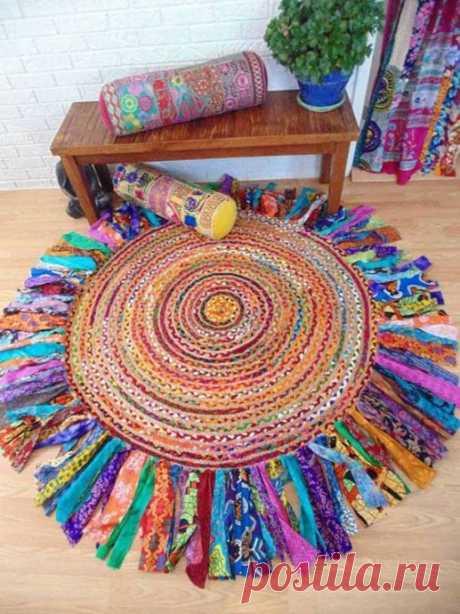 Яркие плетеные коврики