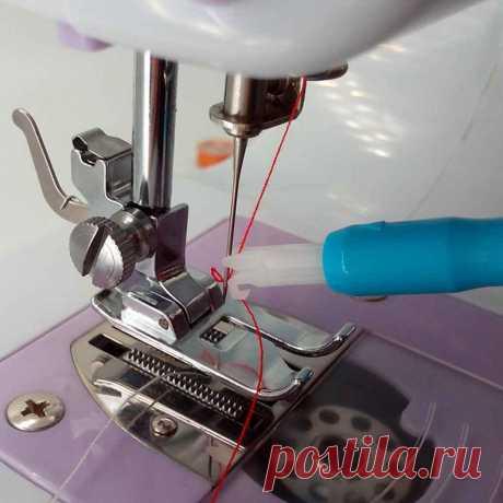 Нашла в своём наборе швейных лапок странную голубую штучку — рассказываю, для чего она и как ей пользоваться | Творческие будни | Яндекс Дзен