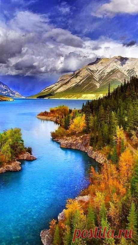Abraham Lake - North Saskatchewan River - Alberta Rockies | Pinterest • The world catalog of ideas