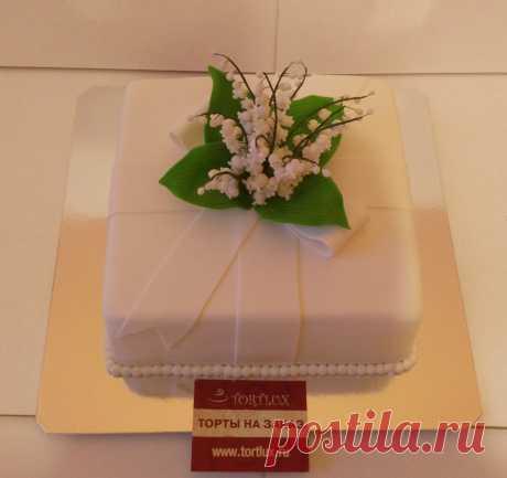 """Свадебный торт """"Ландыши"""".Вес 4 кг."""
