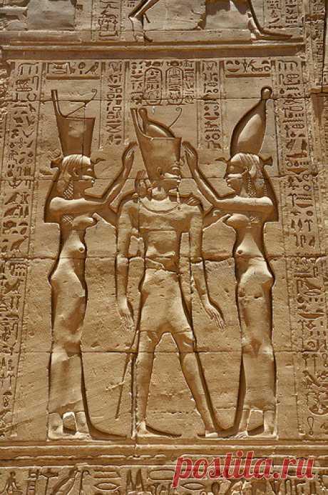 "aboutegypt: ""Egypt - Edfu Temple of Horus (by garda) """