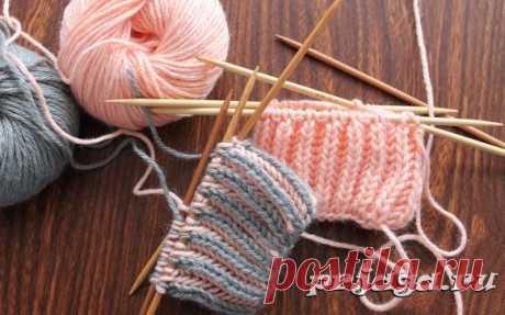 Вязание-спицы >Двухцветная английская резинка по кругу