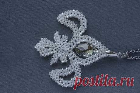 Heraldic lilies | biser.info - all about beads and beaded creativity
