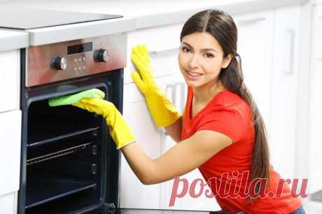 Как отмыть от жира духовку, микроволновку, сковородку, кастрюлю, стены на кухне и прочее | Думочка Расскажем о том, как отмыть духовку от жира, сделать чистой сковородку, избавиться от грязи в микроволновке, отмыть эмалированную кастрюлю, убрать налёт с плитки на кухне и почистить от жира вытяжку - видео.