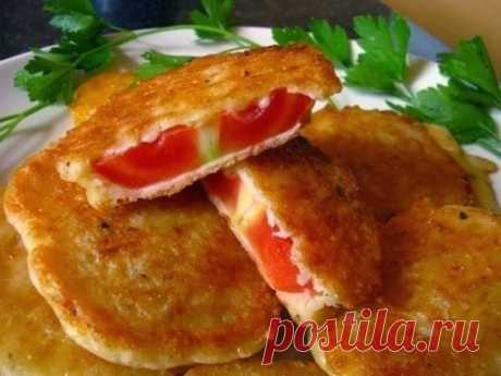 Жареные без масла помидоры в сырном кляре.