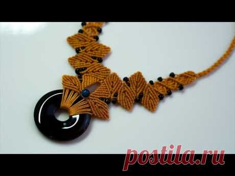Красивое ожерелье с камнем в технике макраме