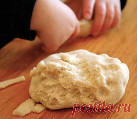 Поделки из соленого теста своими руками: идеи, фото. Как сделать солёное тесто для лепки поделок, как сушить: рецепт. Детские поделки из соленого теста новогодние, на 14, 23 февраля, 8 марта, к Масленице, Пасхе в школу, детский сад, для малышей: мастер-класс, фото
