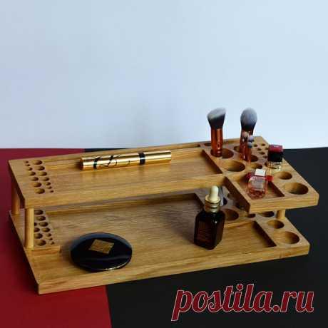 makeup brush holder / makeup vanity / makeup box / bathroom