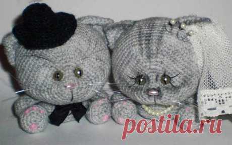 Milyaga el gatito amiguramchik con la descripción de la labor de punto