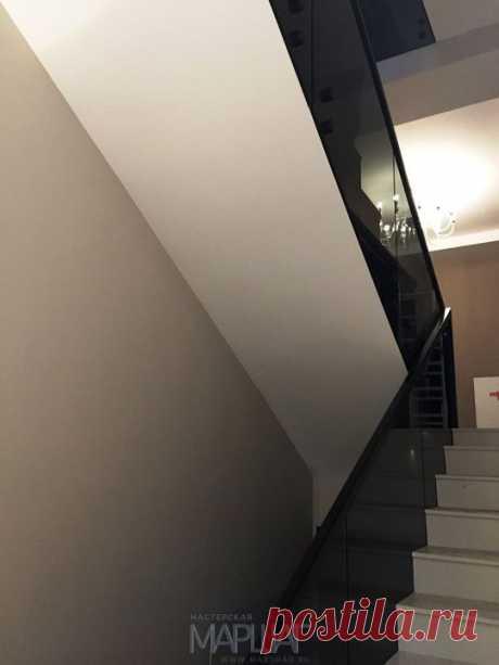 Изготовление лестниц, ограждений, перил Маршаг – Установка ограждения из черного стекла