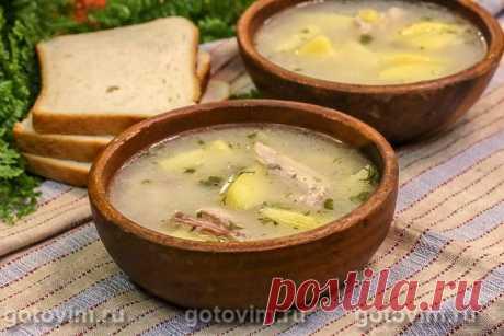 Осетинский белый суп из курицы с мучной болтушкой (Лывжа или лывза). Рецепт с фото Для наваристого куриного супа обязательно добавление болтушки из обжаренной до кремового оттенка муки, смешанной со сметаной. Благодаря ей суп получается более густым, а золотистый цвет меняет на белый. Еще в осетинский суп лывжа добавляют сушеный чабер (вместе с чесноком и зеленью), отчего бульон приобретает необычный, характерный для этого блюда аромат.