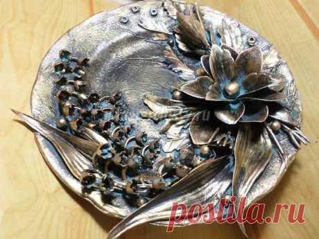 Декоративное панно-тарелка из бросового материала. Мастер-класс