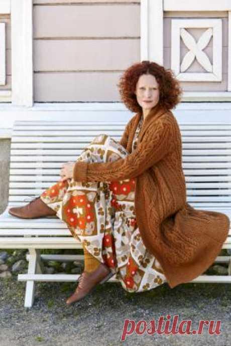Пальто Древо Потрясающая модель женского пальто с шалевым воротником, связанного из шерсти спицами 5 мм. Все детали вяжутся раздельно по приведенным в...
