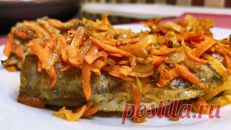 Минтай в зажарке с солеными огурцами | Розовый баклажан | Пульс Mail.ru Солёные огурчики придают многим блюдам неповторимый и очень оригинальный вкус. Особенно если их сначала пожарить с другими овощами. Такая овощная...