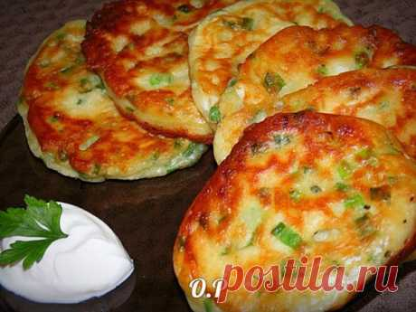 Fritters with green onions and egg by a breakfast - it is very tasty! Subdued me!
