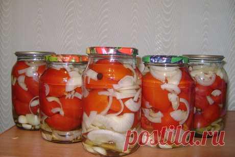 Сладкие маринованные помидоры с луком и маслом на зиму