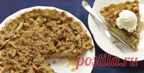 Быстрый пирог с яблоками и орехами