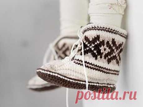 "We knit children's slippers \""Scandinavian Fairy Tales\"""