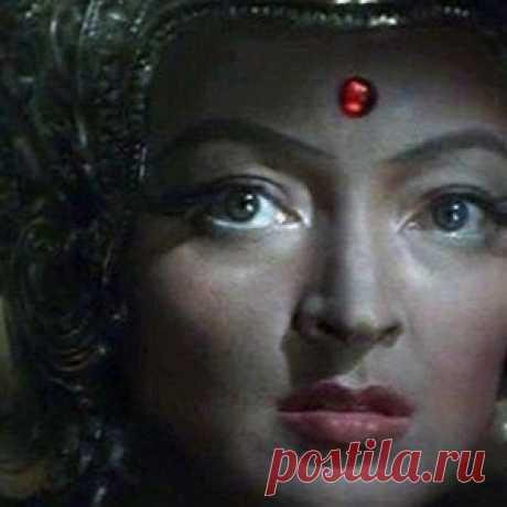 Лидия Вертинская: женщина, созданая играть цариц