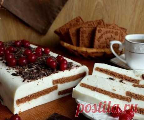 Творожный тортик без выпечки: когда десерт и вкусен и полезен!   Понадобится:  творог - 400 грамм, йогурт натуральный - 300 мл, сахар - 150 гр., желатин быстрорастворимый - 25 гр, вода - 75 мл, печенье шоколадное - 200 гр, для украшения шоколад черный, смородина …