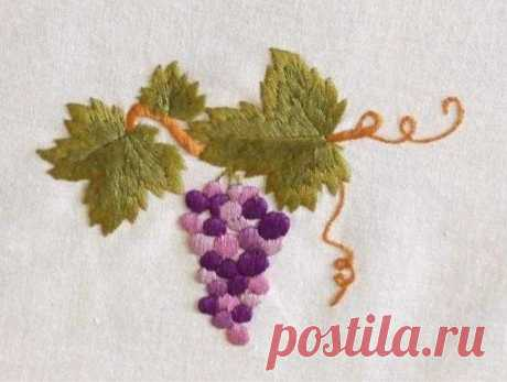 Схема для вышивки гладью Виноград – скачать бесплатные рисунки для начинающих! Данная схема – несложный образец для начинающих рукодельниц, которые хотят вышить виноград гладью. Она сочетает в себе две техники гладьевой вышивки.