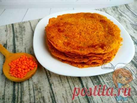 Рецепт блинов из чечевицы, который подойдёт для вегетарианского и постного питания. Чечевичные блины можно выпекать без масла на антипригарной сковороде.
