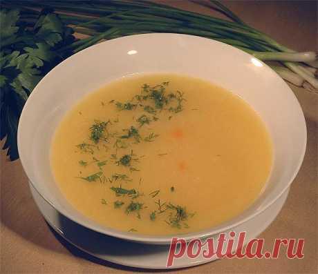 Рецепты супов для детей 1-3 лет Суп овощной Вымытую и очищенную морковь нарезать соломкой, тушить в кастрюле с небольшим количеством воды под крышкой в течение 10 минут, добавить нашинкованную капусту, нарезанный мелкими кубиками картофель, зеленый горошек, спассерованный лук, залить горячей водой и варить до готовности. Перед снятием с огня добавить сметану. Борщ с картофелем Картофель вымыть, очистить, нарезать кубиками, опустить в кипящую воду, довести до кипения, добавить мелко…