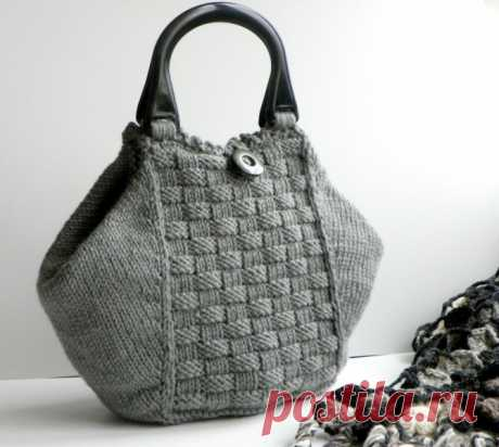 «Очень стильная сумочка из серых ниток, вязаная на спицах.» — карточка пользователя slavashishaev в Яндекс.Коллекциях