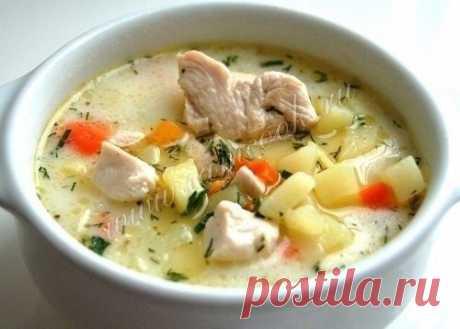 Нежнейший сырный суп с курицей Ингредиенты: Филе куриной грудки — 1 шт. Морковь — 1 шт.Картофель — 5 шт.Сыр плавленый — 100 гВода — 2 лМасло оливковое — 3 ст. л.Лавровый лист — 1 шт.Соль, перец — по вкусуЗелень — по вкусу Приготовл…