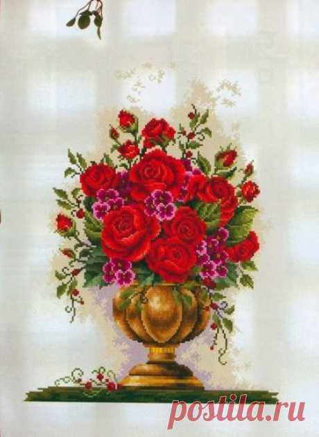 Вышивка крестом букет роз в вазе. Схема цветочного натюрморта Вышивка крестом букет роз в вазе. Схема цветочного натюрморта Схема вышивки крестом цветы в вазе Схема вышивки крестом розы в вазе схема вышивки с розами в вазе цветы роз в вазе вышивка схемы вышивки с цветами в вазе Цветы на вышивке в рамке. Как сделать рамку для вышивки цветов? Как украсить рамку для вышитой картины? Схема вышивки цветами в раме Схема вышивки с розочками в рамке Вышивка розы на черном фоне. Как вышивать розы нитка…