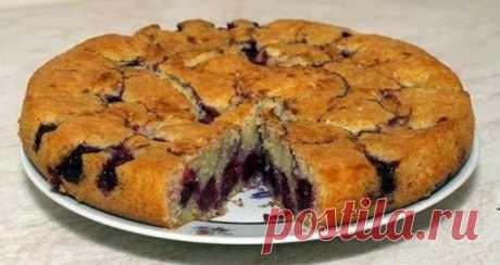 Как приготовить пирог с вишней на кефире - рецепт, ингредиенты и фотографии
