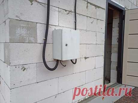 Сделали разводку в щитке кабелем 2,5 квадрата. Это норма, или такой электрик попался? | 🔨Строю свой дом.🔨 Опыт новичка. | Яндекс Дзен