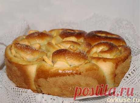 Необычный пирог с тройной начинкой и ябоками