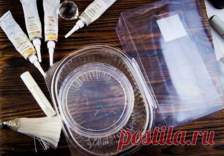 Не выкидывайте пластиковую упаковку: крышечки от сметаны, контейнеры и коробки от игрушек. Делаем воздушное украшение (снежинки) | Живые вещи | Яндекс Дзен