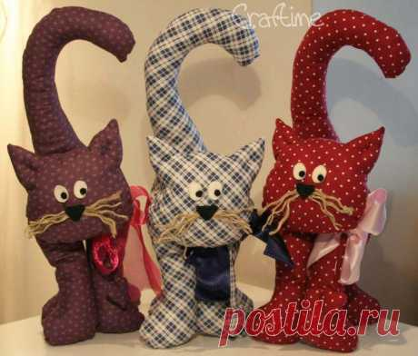 Cats from fabric.